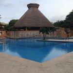 Pool mit Poolbar El Cenote