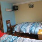 Dos cómodas camas y TV