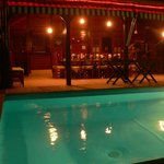 Restaurant donnant sur piscine