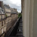 Down the side street to the Jardin des Tuileries