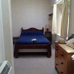 Castle Cottage - comfortable bedroom