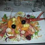 Catalana di crostacei, ortaggi e frutta