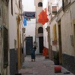 Het straatje in de medina waar riad Oranje Chanell zich bevindt