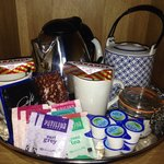The tea & coffee tray ��