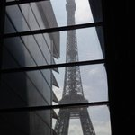 la tour Eiffel vue de l'intérieur du musée