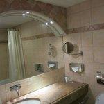 Bathroom, room 367