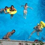 allegria in piscina