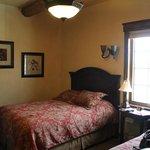 Bedroom (Part)