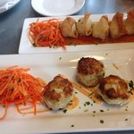 Crab cakes and chicken wontons