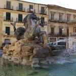 Brunnen auf der piazza Garibaldi