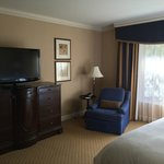 "King size ""limited view"" room in the Lanai wing"