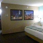 King Bed room, nice decor