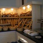 Assortiment de pain disponible matin midi et soir