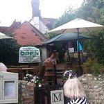 Moonraker Tea Garden ~access from THE TYE Green