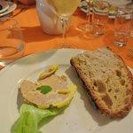 Tranche de foie gras et son petit blanc