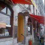 Entrance to Auberge de la Place Royale