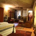 Oriental Cave Room