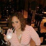 deliciosa piña colada, preparada por Juan en Bar las Tapas.