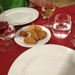Salgadinhos (Pequeno) = Croquettes : morue, viande, crevette