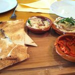 Complimentary flatbreads and dips