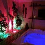 Suite Nirvana Jacuzzi Area