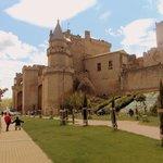 Vista completa del palacio.