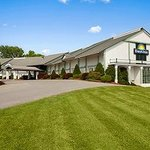 Welcome to Days Inn Shelburne