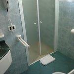 Bagno stanza normale: w la doccia!!