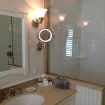 Superior Beach Cottage Sink.Shower