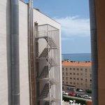 Вид с балкона на соседний отель