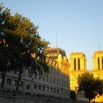 L'île de la Cité et Notre Dame depuis la Seine