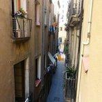 Vue de la rue dans laquelle nous logeons