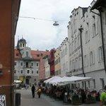 Restaurant-Terrasse mitten in der Altstadt