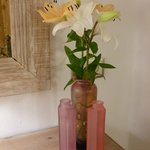 Rosa bedroom flowers