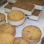 biscotti ripieni di semifreddo (produzione limitata al solo periodo invernale)