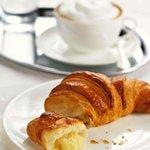 Café Central croissant