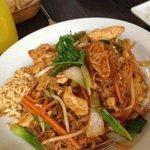 Chicken Pad Thai (big portion!)