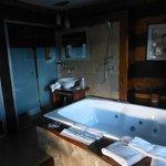 Hidromasaje, baño y antebaño