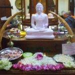図書室の仏像