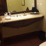 banheiro tamanho normal mas bom.