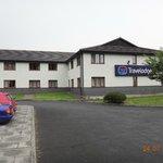Hotel entrance & Car Park