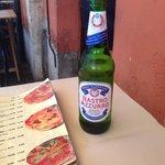 Pizza y cerveza!