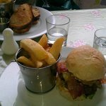 Brisket burger with chunky chips
