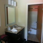 Room 206 - Bathroom area