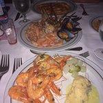 Cena con marisco de la zona