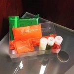 Les produits disponibles dans la salle de bain.