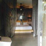 pool side suite