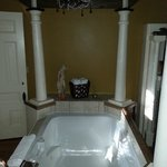 Jetted Tub in Williams Suite