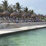 Sector de piscina con agua de mar... increíble