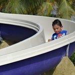 Mi hijo en el Tobogan de la piscina para niños